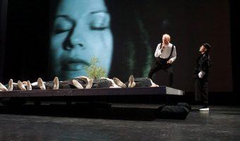 """Alytaus miesto teatro spektaklis """"American dream"""". Režisierius Albertas Vidžiūnas. (Foto ©Vytautas Stanionis)"""