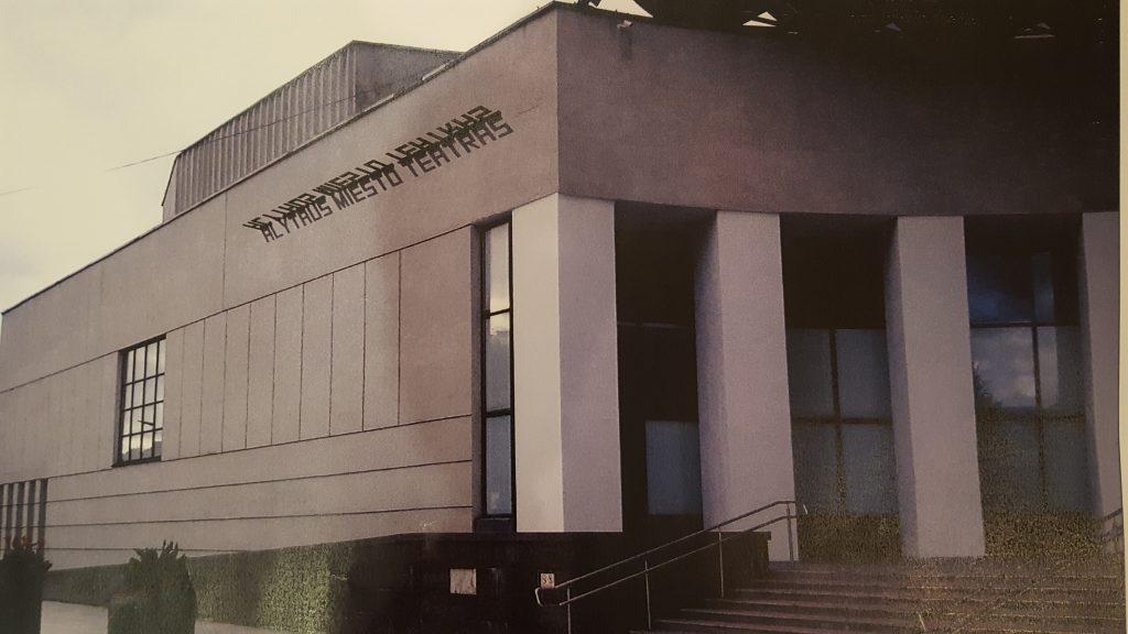 Fasadas teatro Gyvai 20180201_080227