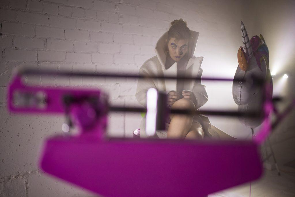 """Alytaus miesto teatro spektaklis """"SEEN"""". Režisierė Andra Kavaliausiakitė. Foto Povilas Jaras (Fotopo)"""