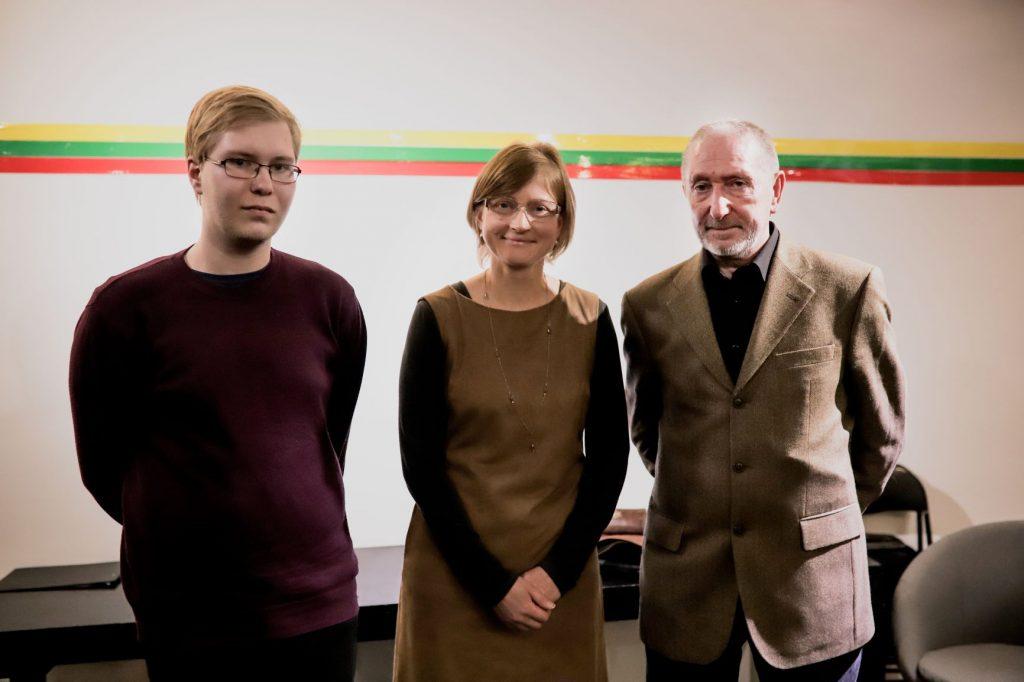 Nuotr. (© Miško Motė ) iš kairės: Lukas Butkus (2 vieta), Loreta Vilkytė (3 vieta), Andrius Šiuša (1 vieta)