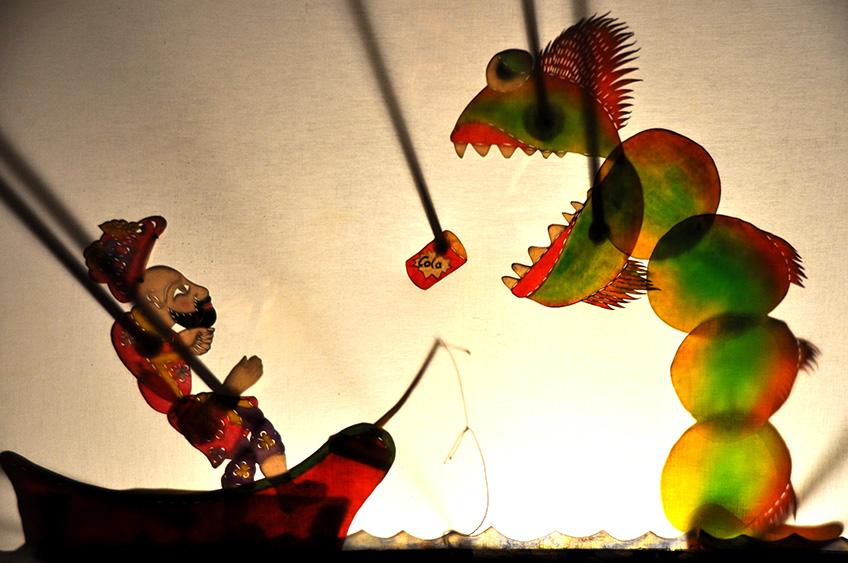 """Spektaklis """"Šiukšlių monstras"""", rež. Cengis Ozek (Turkija)"""