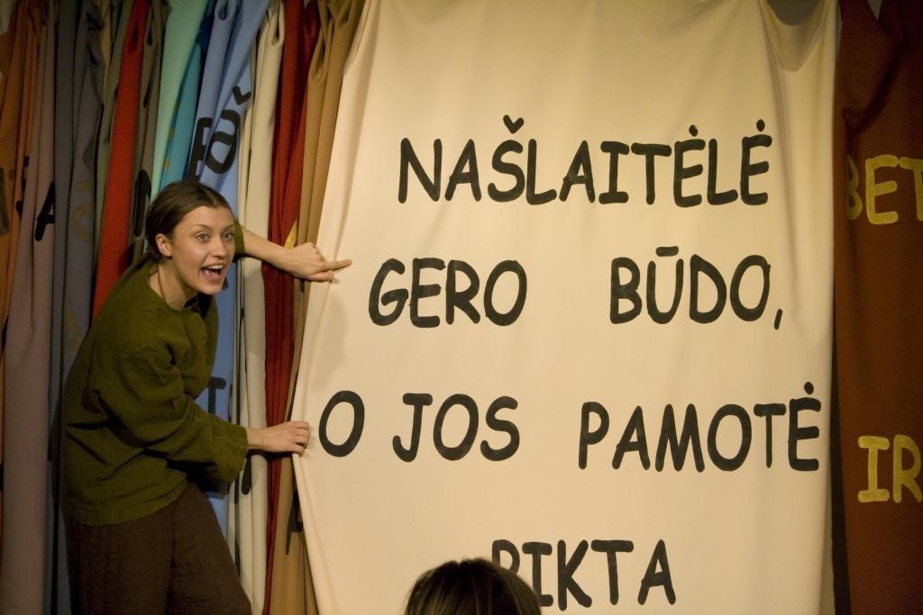 """Teatras """"Atviras ratas"""", """"Senelės pasaka"""", rež. A. Giniotis"""